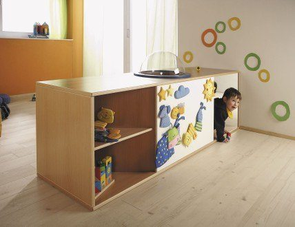 Low shelf / contemporary / in wood / for kids