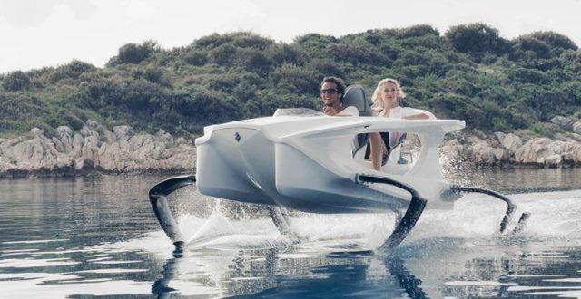 Suyun Üzerinde Uçan Quadrofoil Q2S